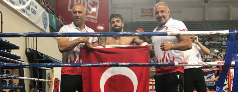 http://www.sultanbeylim.com/haberler/sultanbeyliden-bir-sampiyon-daha-zeki-kaya-kick-boks-dunya-sampiyonu