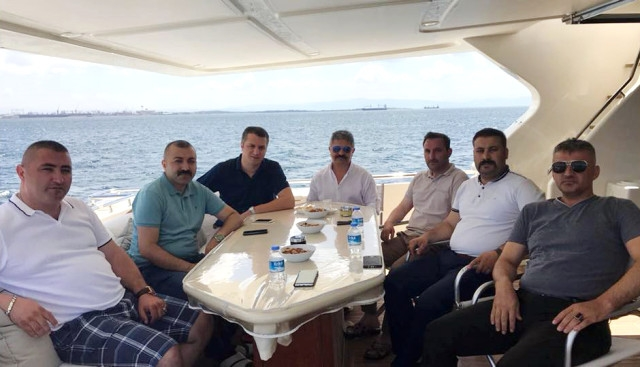 Dört Farklı Partinin İlçe Başkanını Aynı Teknede Buluşturdu