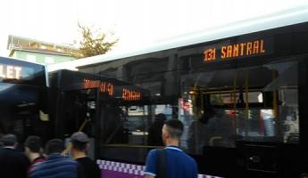 İETT Otobüslerinin Kazasında Maddi Hasar Meydana Geldi
