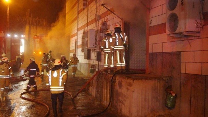 Sultanbeyli'de Mobilya Atölyesinde Yangın Çıktı
