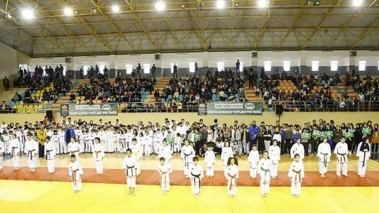 Sultanbeyli'de Spor Şenliği Başladı