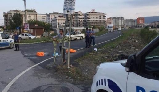 Sultanbeyli'de Kamyonun Altında Kalan Motosikletli 2 Kişi Hayatını Kaybetti