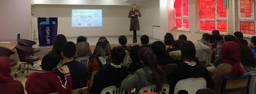 İŞKUR Sultanbeyli'de Öğrencilere Danışmanlık Yaptı