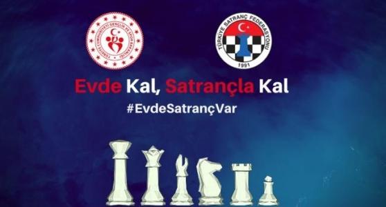 Satranç Tutkunları Online Turnuvada Mücadele Veriyor