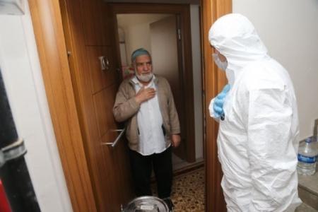 Sultanbeyli'de Yaşlılara Evde Sıcak Yemek Hizmet